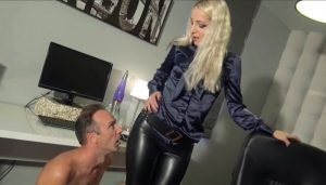 Liz in Leather Leggings Fuck in The OFfice part 1
