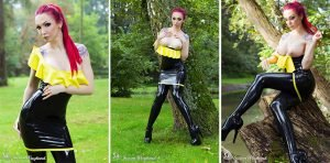 Sexy Latex Girl in Public – Photoset