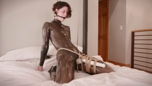 Cam Damage – Choke in Transparent Latex