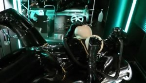 Rubber Goddess Madame Zoe – Extremely Tubed und Used Metal Device in the Hole