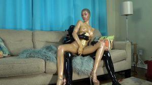 Rubber Diva Lara and black rubberguy in gasmask